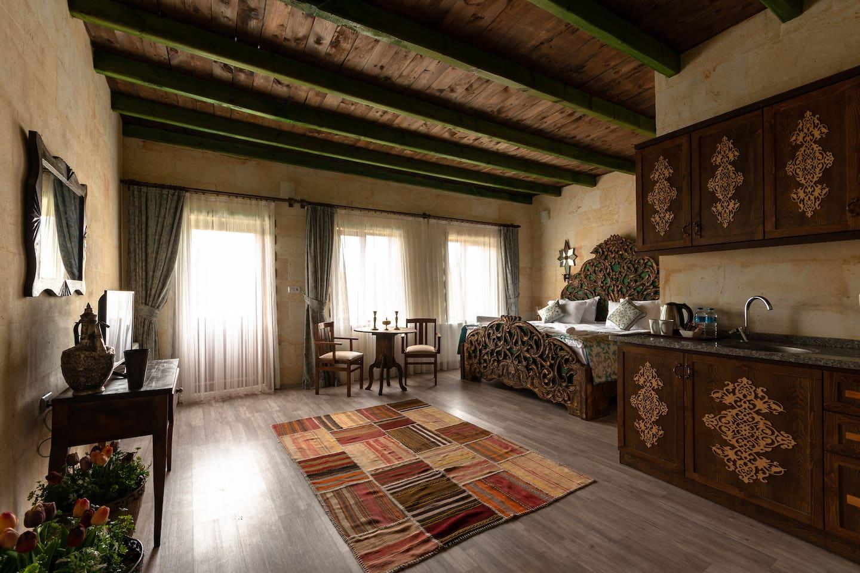 60m2 stone studio apartment very bright