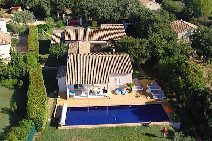 Grande maison familiale design Uzes
