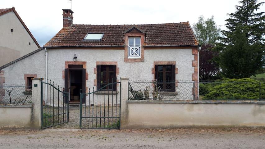 Maison proche canal du Berry