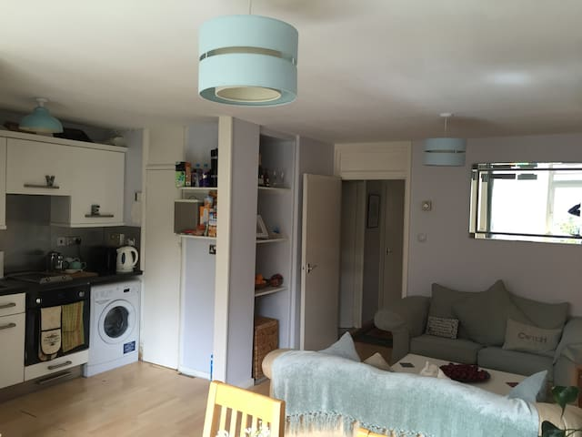 Spacious Apartment in the Heart of Oxford - Oksford - Apartament