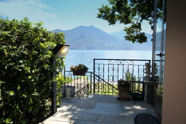 Villa Colombina, direct lake access, perfect for families, very private - Menaggio  - Villa