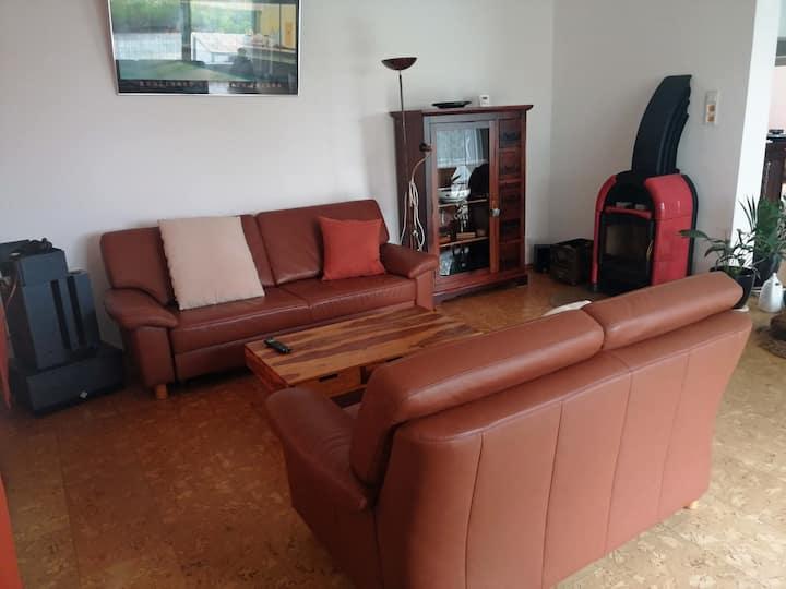 Große Wohnung mit Garten in ruhiger Lage, 110 qm