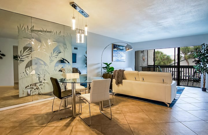 BT 6435 2/2 Condo in Ocean Village - Welcome to Paradise
