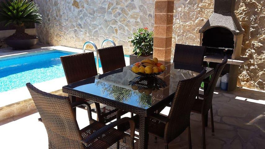 Maison calme proche mer, piscine privée, Air Condi - Romàntica - Talo