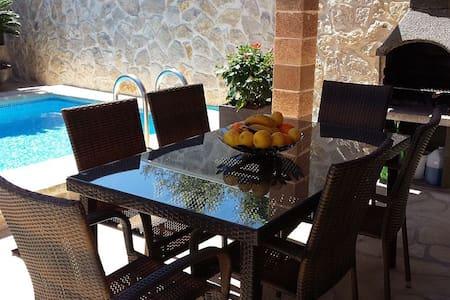 Maison calme proche mer, piscine privée, Air Condi - Romàntica