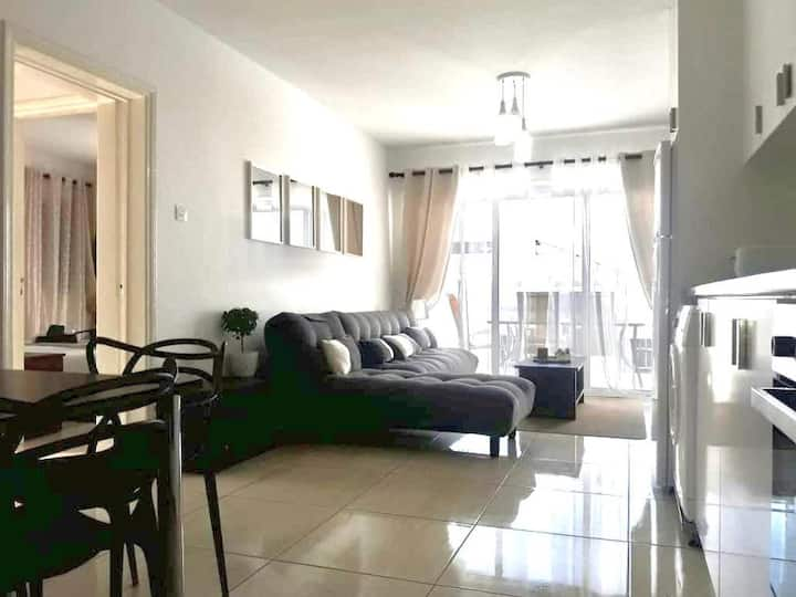 Amazing location across the beach 3 Bed Apartment