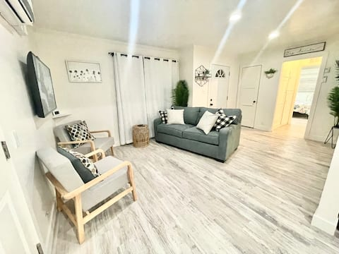 Entire Residential Home- Relaxing & Quiet Stay