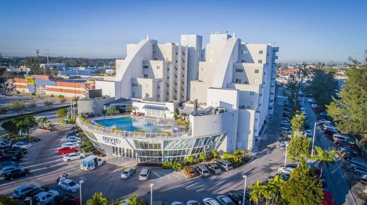 Apto exclusivo cerca de Dolphin y Miami Int'l Mall