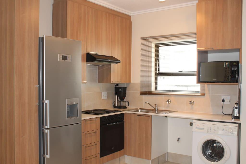 Spacious Kitchen with washing machine