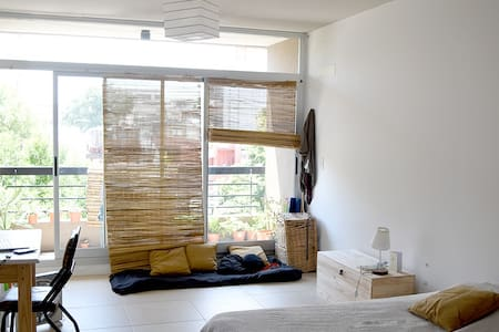 Modern, bright and quite Studio with balcony! - Buenos Aires