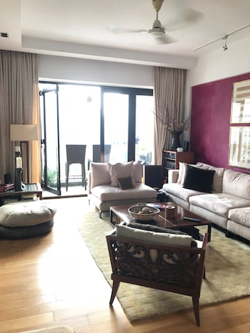 Spacious living room and TV (with Netflix) at your disposal