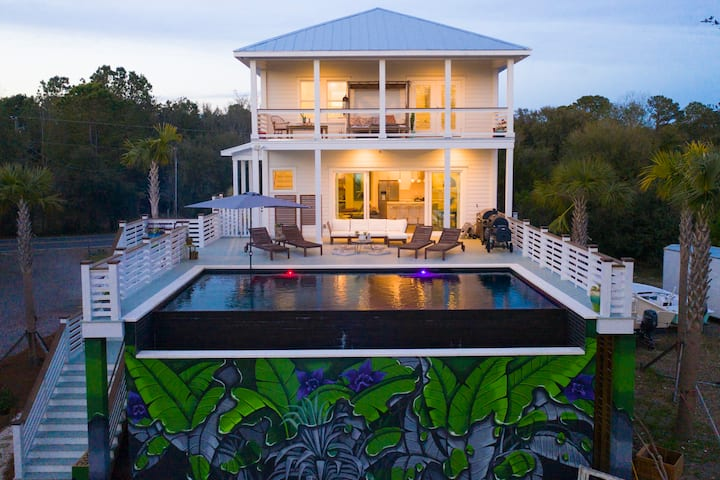 Waterfront Privacy, heated infinity pool, location
