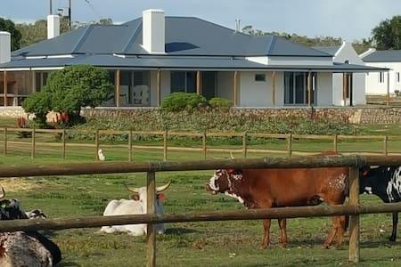 Spacious Farm House : Arniston - Arniston - House
