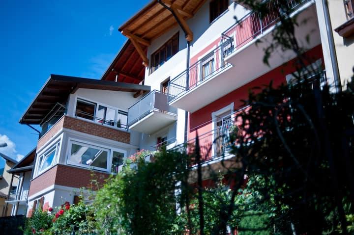 Spazioso appartamento-Great mountain view terrace