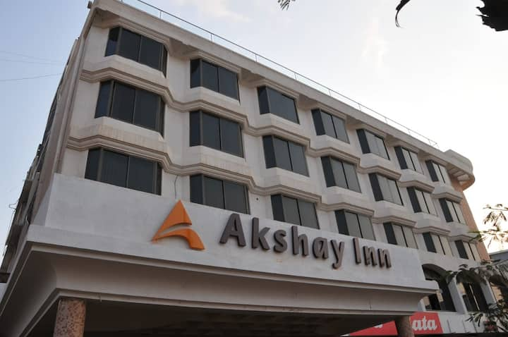 Omatra Akshay Inn