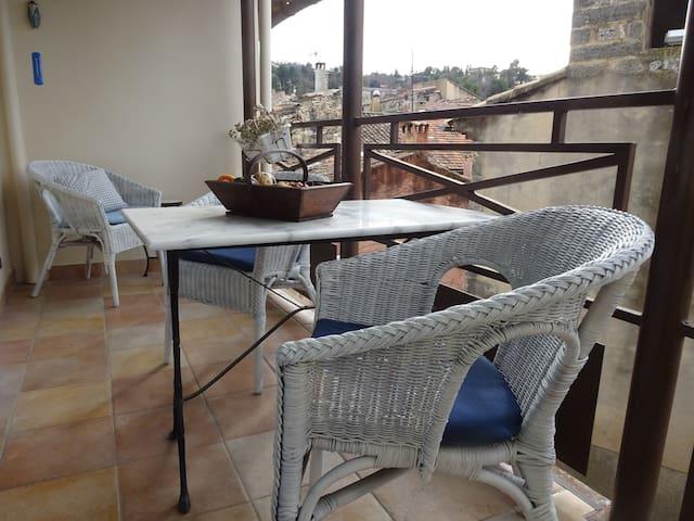 Wonderful apartment with balcony, terrace & view - Apartament - Apartament