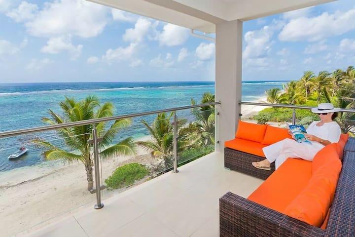 Sea Palm Villas Beautiful Beachfront accomodation