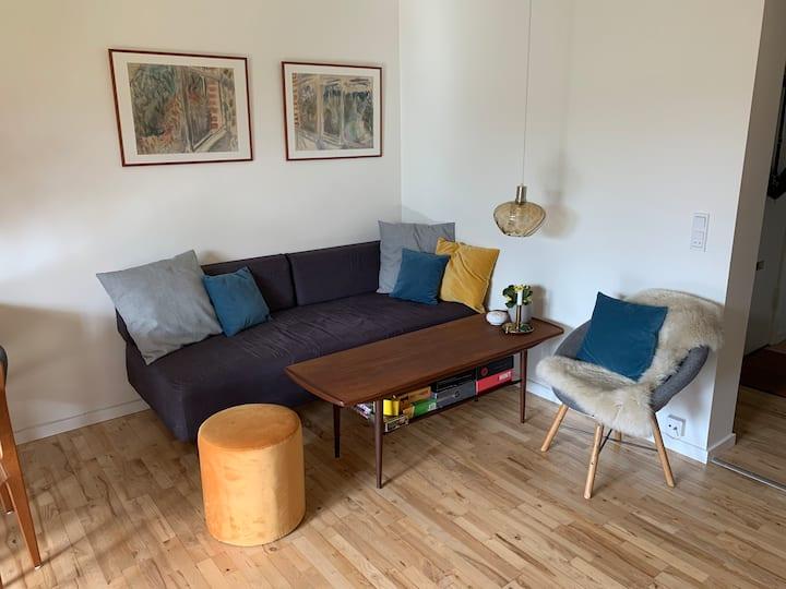 Dejlig lejlighed med altan tæt på Roskilde station