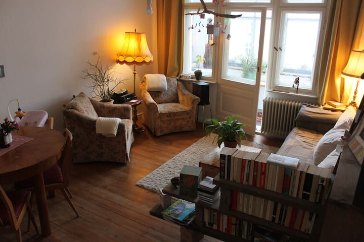 Cosy and family-friendly flat in Schöneberg