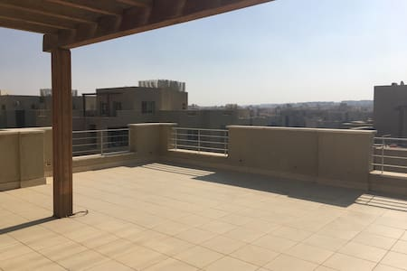 Amazing Penthouse with Views (AUC) - Lyxvåning