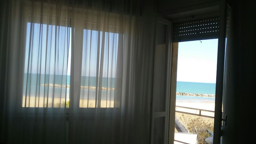 FLAT ON THE BEACH - Lido di Savio - Appartement