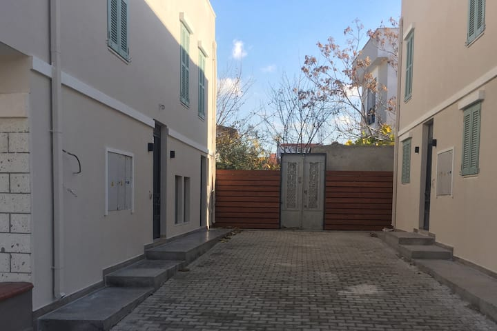 5 Rooms Full house in the heart of city Urla