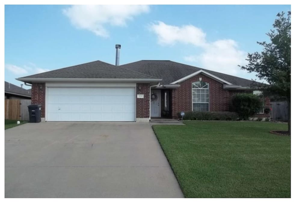 House For Weekend Rental Perfect For A M Games Houses For Rent In College Station Texas