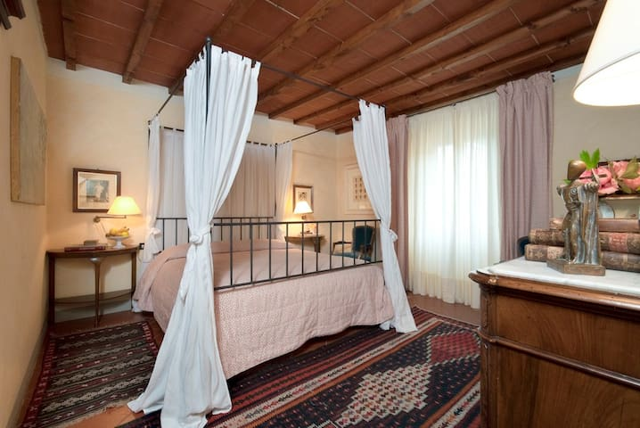 Azalea Camera di Charme - Pistoia - Wohnung