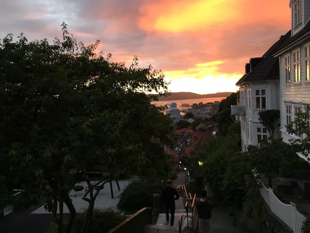 A Bergen City, location with City View