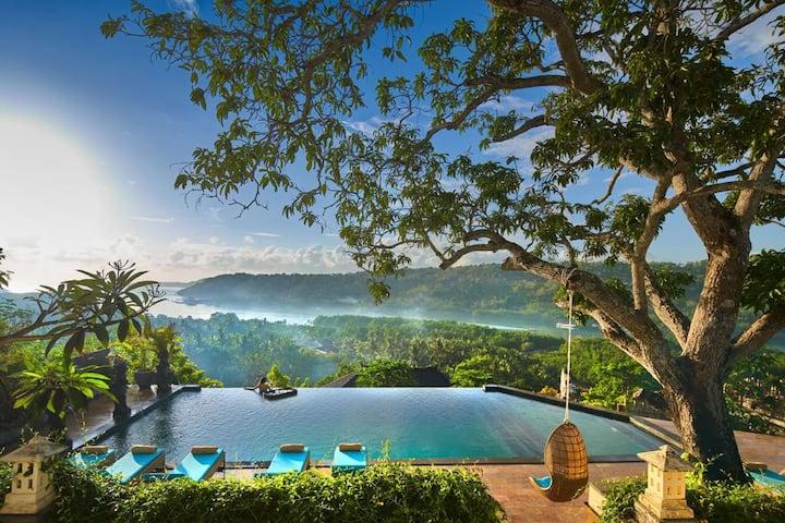 The Acala Shri Sedana - Deluxe Suite with sea view