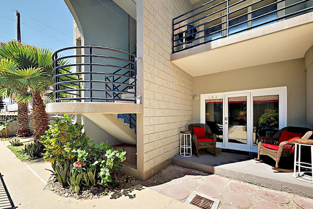 Enjoy your morning coffee on the ground-floor patio.