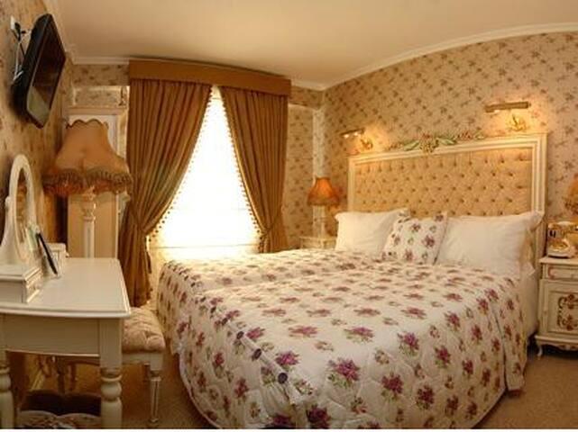 Inga Room Flower Dreams
