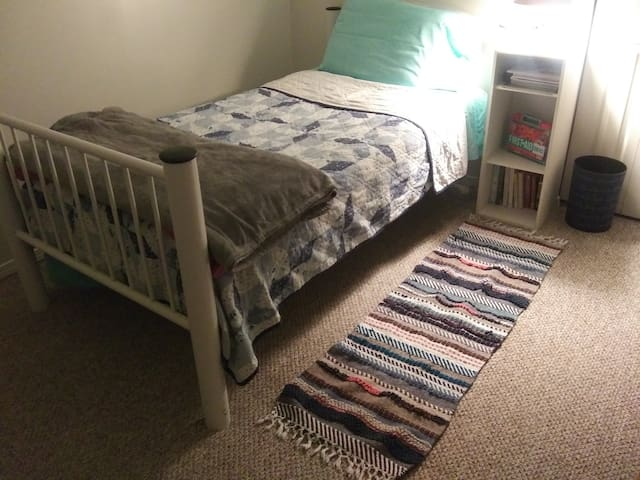 A comfy room to book in Btown