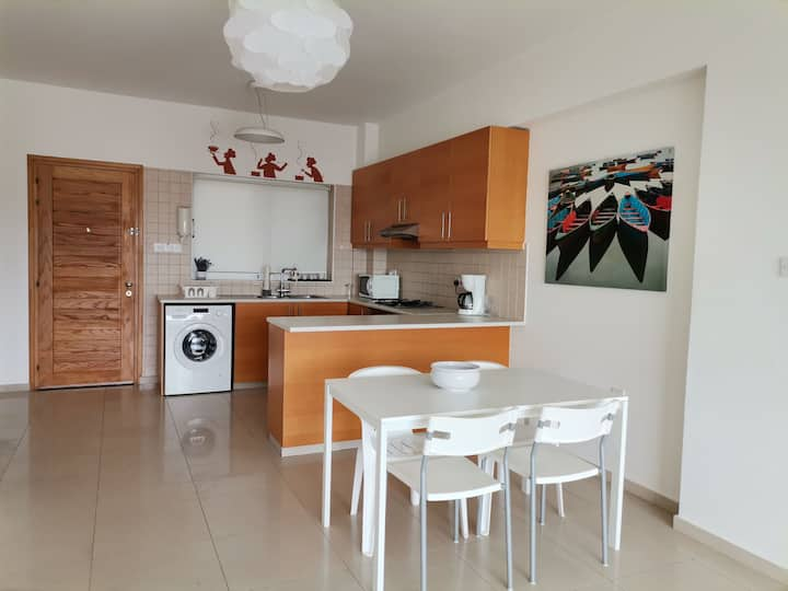 Modern two bedroom apartment 300m from the beach