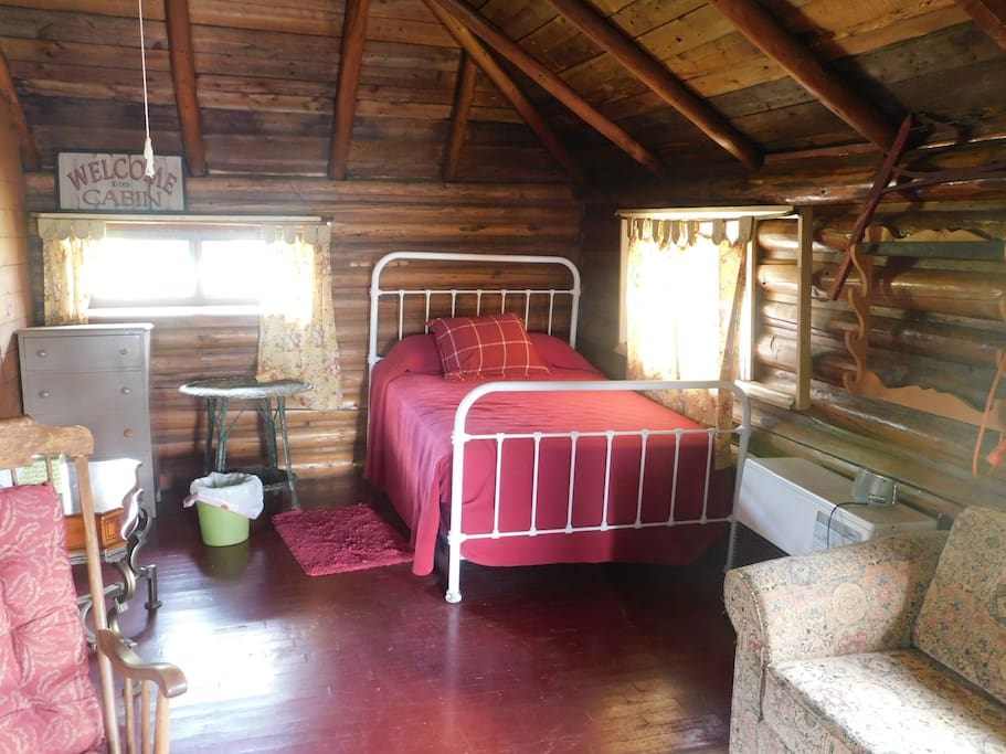 Queen Bed and bunkbed