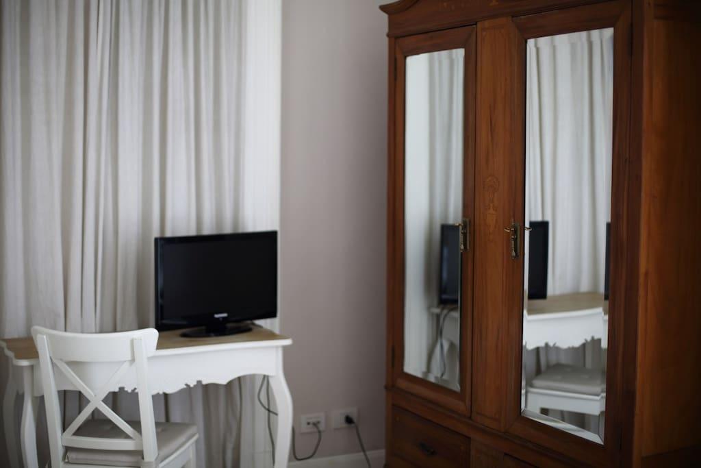 Camera matrimoniale beige