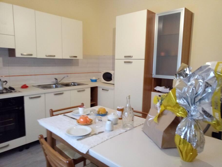 la cucina a disposizione degli ospiti