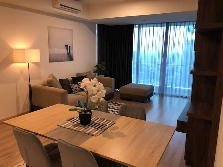 Luxury Apartment at St Moritz Suite Tower, 35th Fl