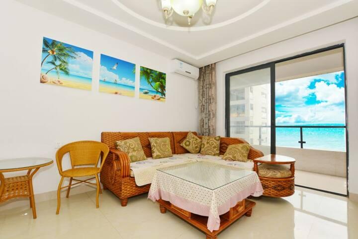大东海离海100米两室一厅海景房 - Sanya - Huis