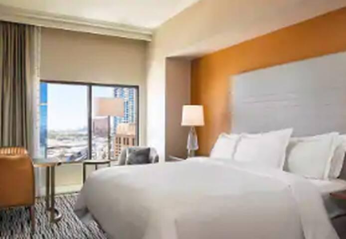 Hilton Las Vegas Strip SALE - 3BR/3BA King Suite