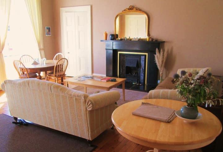 Entire elegant townhouse apartment