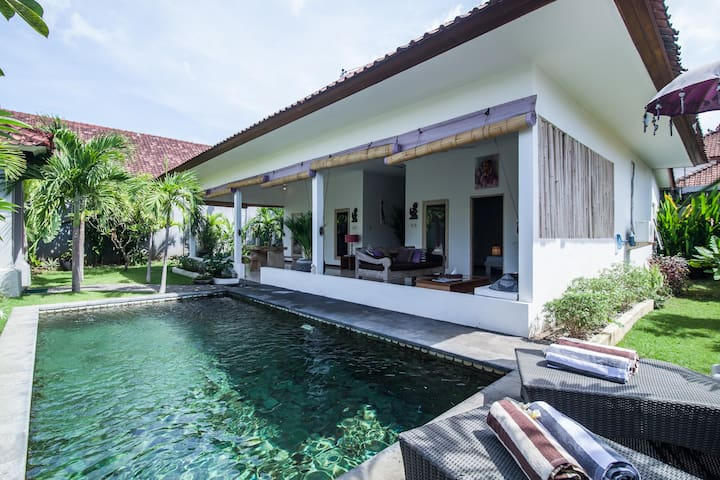 Villa Jingga 2 bedrooms Seminyak