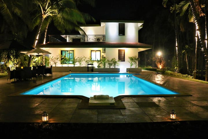 Awas Beach House - Alibag - Vila