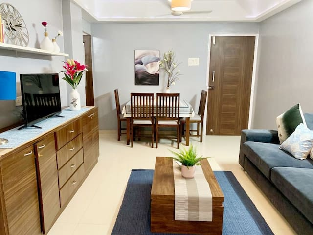 1 Bed in Bandra, Balcony, Central, Nr Linking Road
