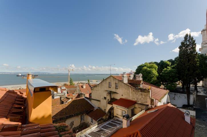 iStay Santo Estevão