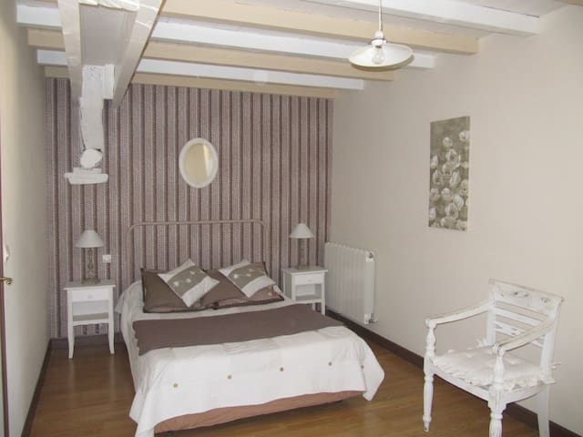 Chambre CHOCOLAT - Caussens - Bed & Breakfast