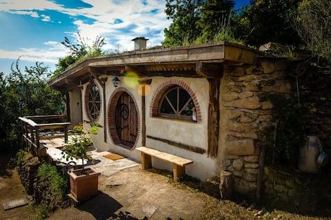 """Maison """"Hobbit"""" les petits Bonheurs"""