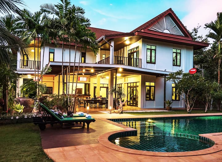 Krabi Family Pool Villa (Sleeps12, Private Luxury)