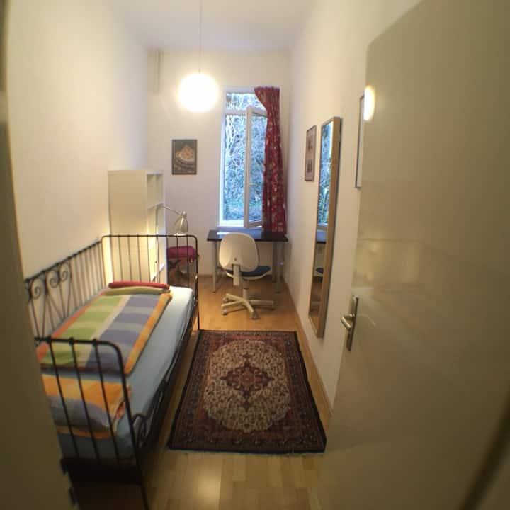 Gästezimmer unterm Schloss. Zentral und ruhig