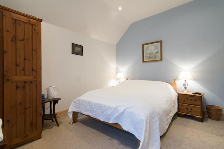 Cuil Lodge, comfy modernished old fishing Lodge - Kilmelford - Bed & Breakfast